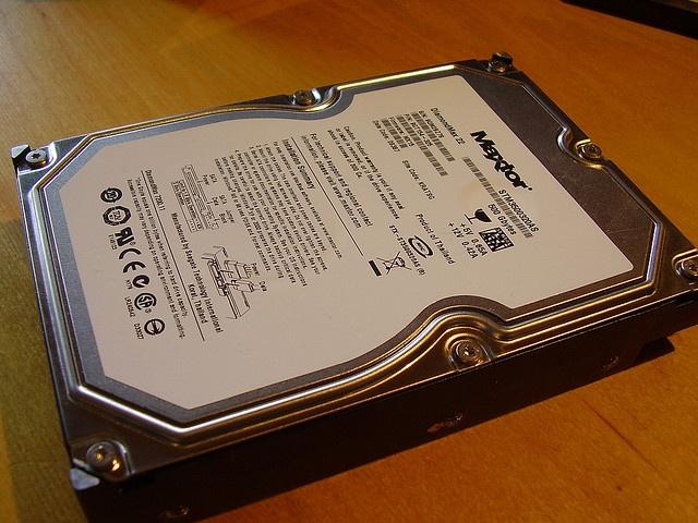 Vergleich von HDD und SSD - mehr auf: center-pc.de     http://www.azoda.vn