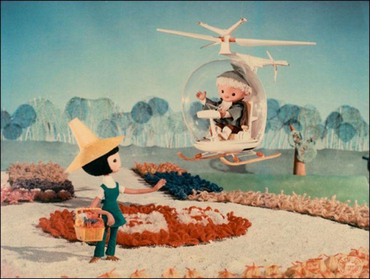 Auch auf der Internationalen Gartenbauausstellung in Erfurt war das Sandmännchen zugegen. Im Jahr 1969 flog es dort souverän mit einem Hubschrauber. Das Modell orientierte sich vermutlich an dem sowjetischen Hubschrauber KA 26. © Telepool GmbH