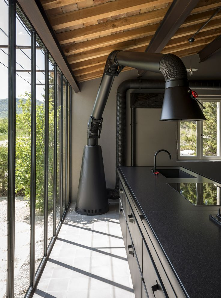 Minà & Natural Skin collection by Minacciolo in a romantic B&B in Adret, Southern France #minacciolo #designkitchen #minà #naturalskin #mammut #mammutextractorhood #design #modernprojects #industrialstyle #industrialdesign #madeinitaly #italiandesign #adret #southernfrance