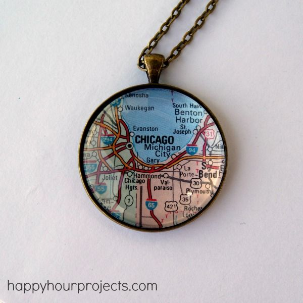 AWESOME IDEA FOR FAVORITE VACATION SPOTS & BIRTH PLACES AS GIFT FOR THE PEOPLE WHO HAVE EVERYTHING! Blog Addiction: Happy Hour Projects -- glass map necklace tutorial