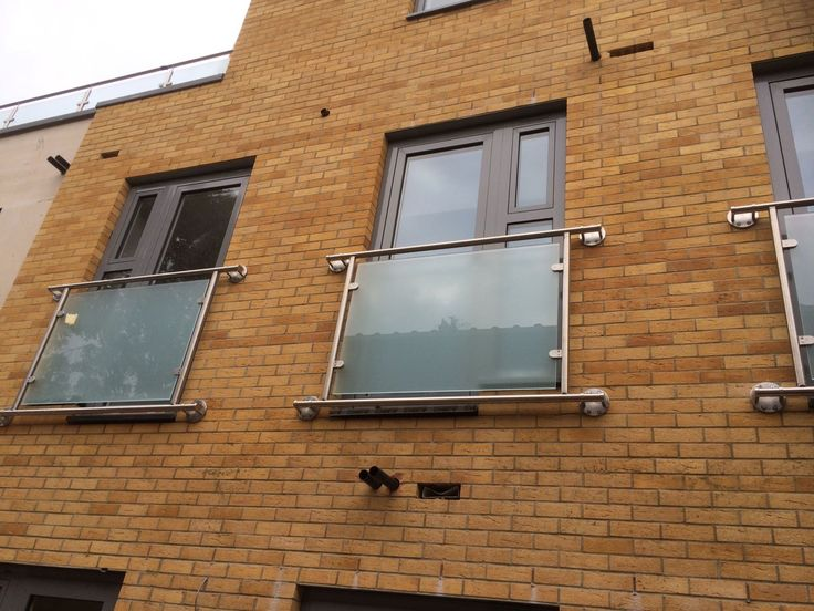 Our RSG4200 Balustrades fitted to a residential development in the city of London.