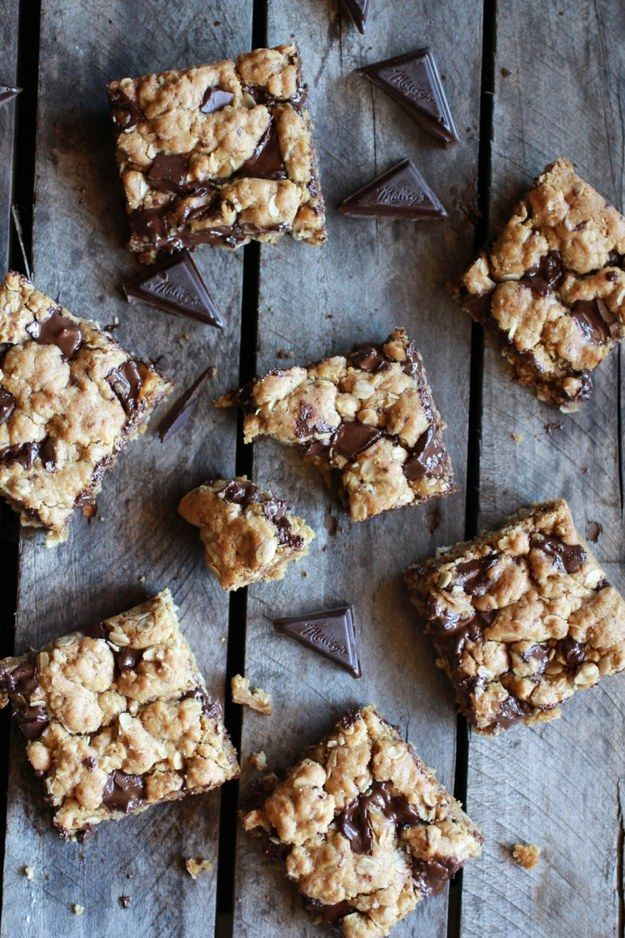 Dark Chocolate Chunk Oatmeal Bars   23 Healthier Versions Of Your Favorite Holiday Treats