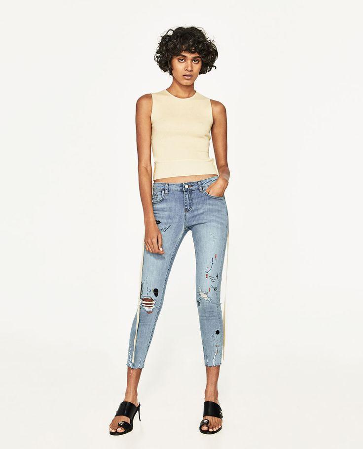 bild 1 von cropped jeans mit farbflecken von zara zara. Black Bedroom Furniture Sets. Home Design Ideas