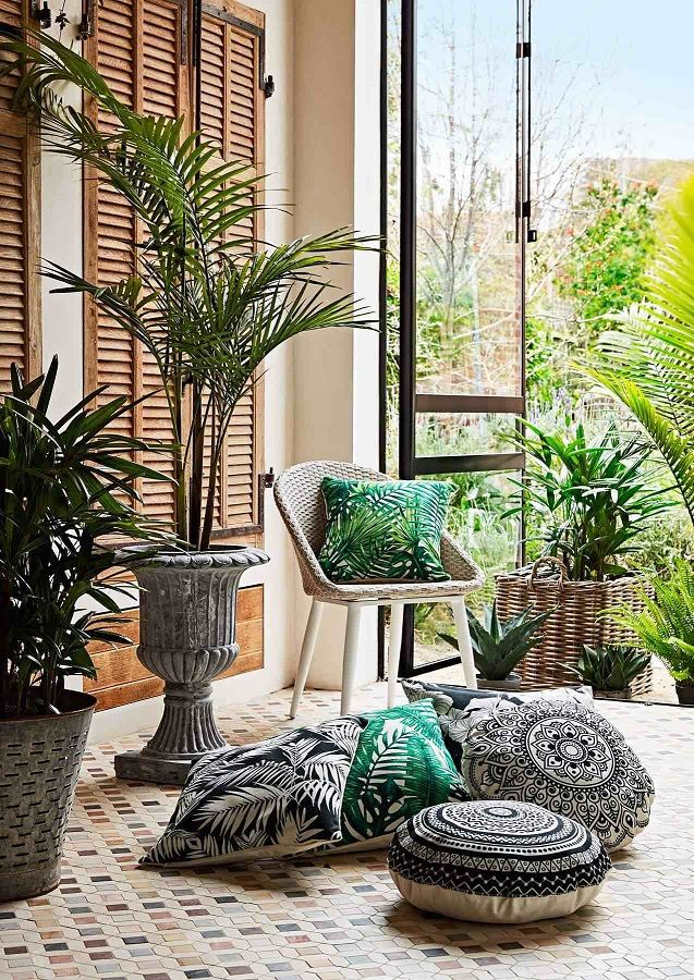 Bold prints, retro or nice and natural, Early Settler has got a fantastic range of outdoor cushions to liven up the outdoors! Take a look at the full range of homewares here. Styling by Heather Nette King.