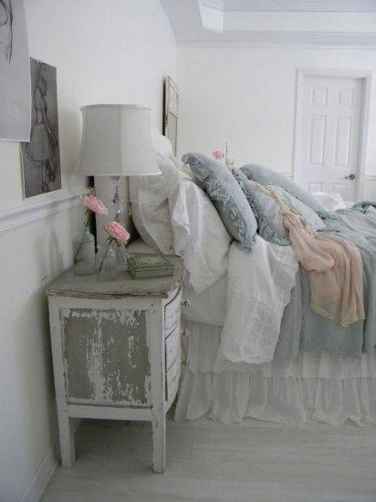 Slaapkamer in landelijke stijl. Door anja