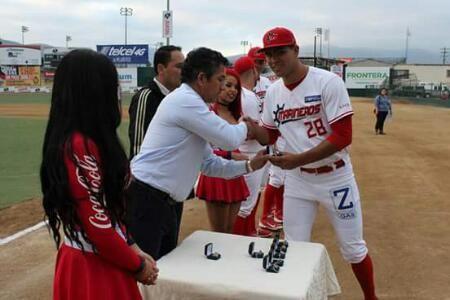 Ciudad de México a 7 de junio (diablos.com.mx).- Los jugadores de los Diablos-Guerreros, actuales bicampeones de la Liga Invernal Mexicana, ...