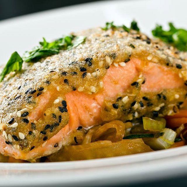 Salmón al horno con salsa de mostaza y miel | Buzzgram