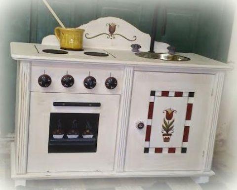 Tulipanoskata - Babakonyha, játékkonyha, Baba-mama-gyerek, Bútor, Játék, Fajáték, Kézzel festett fa játékkonyha. #mini #little #kitchen #children