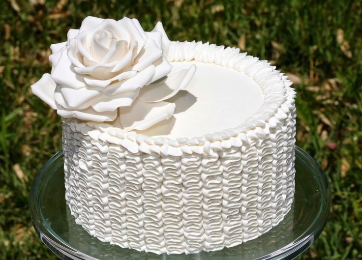 all white dessert table ideas