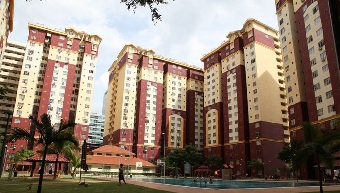 Mentari Court Bandar Sunway Subang 771sf RENOVATED - Sekolah Kebangsaan Kampung Lindungan, Sri KL, SMK Bandar Sunway, and Kampung Tunku Primary School. Bandar Sunway has also become known as a higher education hub, with several large colleges in the area, namely Monash University, Sunway University College, and The One Academy (an accomplished art college that won the ADreline awards for 2006). Mentari Court 1 is located along side of Federal Highway. It can be easily access