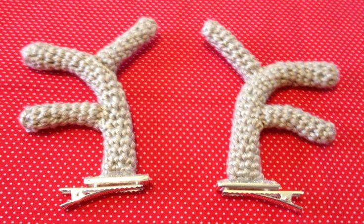 Crochet Reindeer Antler Hair Clips! Free Pattern!! Thanks so xox ☆ ★   https://uk.pinterest.com/peacefuldoves/