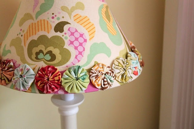 Great idea for embellishing a lampshade: Lamps Shades, Crafts Rooms, Rooms Ideas, Lampshade, Great Ideas, Toddlers Bedrooms, Girls Rooms, Cottages Home, Kids Rooms