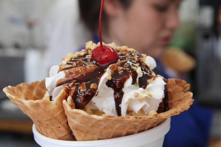 The ultimate guide to Catalina Island - Big Olaf's of Catalina for ice cream because it's delicious and doused in syrup