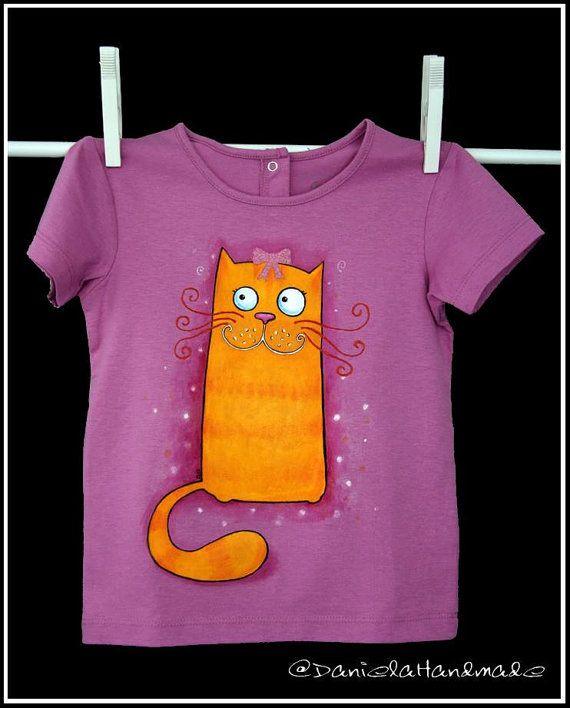 Hand painted kids t-shirt. Cute cat t-shirt by danielahandmade