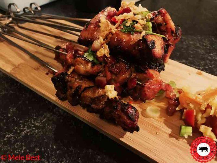 Het recept van mijn varkens en kip sate inclusief ingrediënten en video. Succes met de bereiding en eet smakelijk!