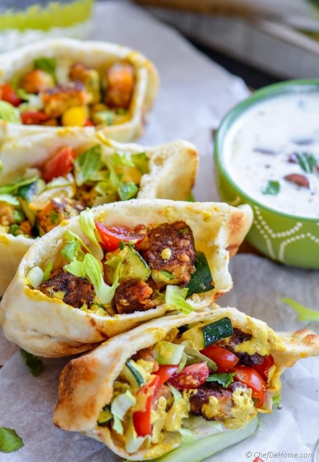 Spicy Veggie Indian Naan Curry Pockets | chefdehome.com