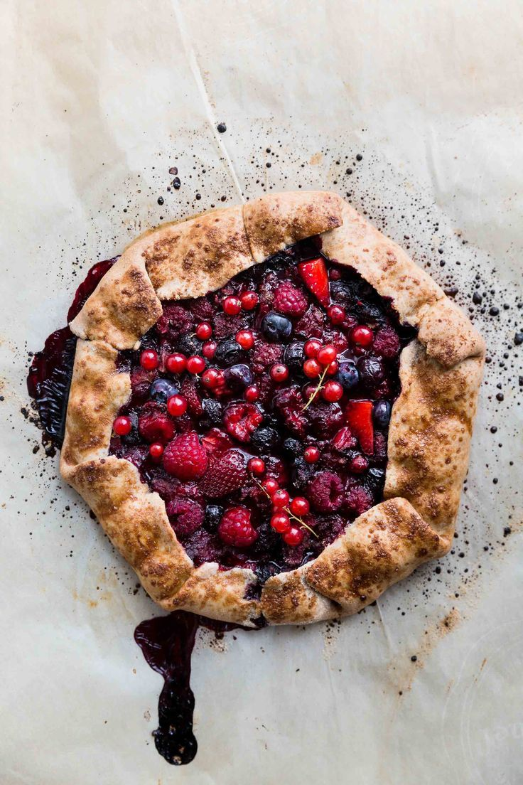 Mixed Berry Galette (Vegan) + 2 years of blogging! by The Green Life