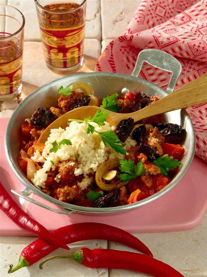 Couscous ist ein wesentlicher Bestandteil der orientalischen Küche. Diese aromatische Marokkanische Hackpfanne entführt euch in 1001 Nacht.