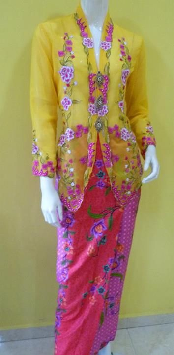 Kebaya Nyonya. Need to make the skirt for wedding...