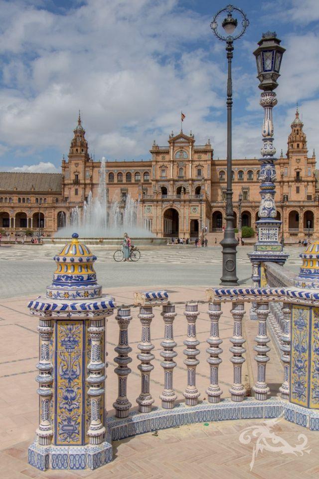 Ein Roadtrip durch Spaniens Süden. Paläste, Gärten und Städte, Wale, Affen und Western: All das zwischen Meer, Bergen, Wüsten, Afrika und ein wenig England.