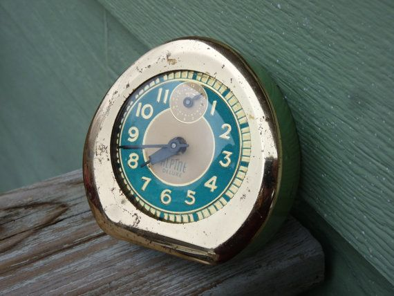 Alpine Deluxe Ingraham Clock Alarm Green Gold Mint Moss Retro wind up wind-up old wall funky Bencollection unique vintage antique unusual