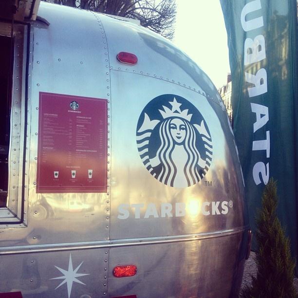 Un van Starbucks à Lille