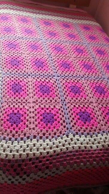 Manta de crochet artesanal