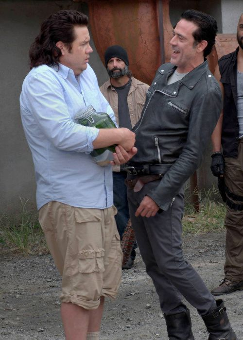 """Eugene (Josh McDermitt) and Negan (Jeffrey Dean Morgan) in The Walking Dead Season 7 Episode 11 