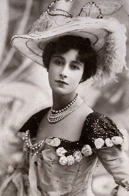 Très 239 best en Noir et Blanc images on Pinterest | Vintage girls  RT11