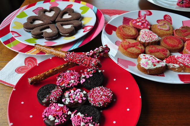 valentine's day cookies with hershey kisses