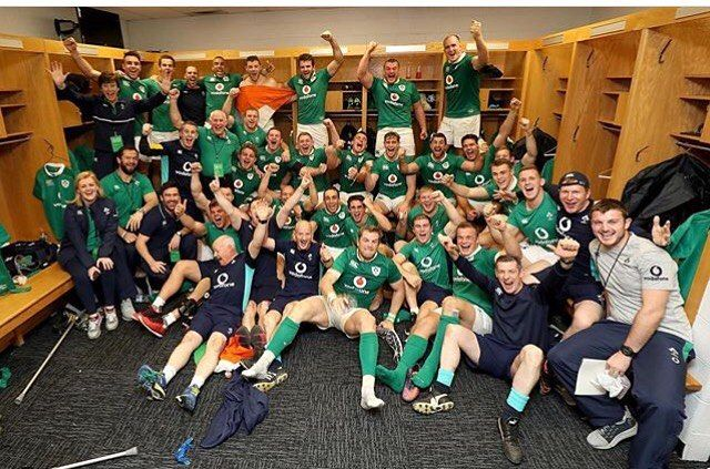 I have to open this lovely Sunday with this great shot of the Irish Rugby team in Chicago from @irishrugby  The team are celebrating their historic first victory over the All-Blacks in Soldier Field making this the 2nd historic sporting event Chicago has experienced in the last week.
