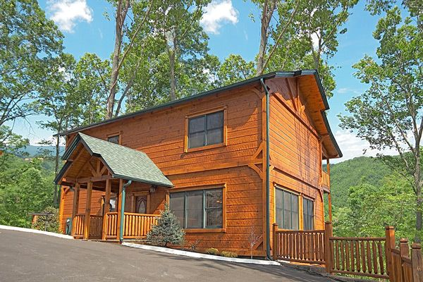 Gatlinburg cabin heaven on earth 5 bedroom sleeps 18 for 8 bedroom cabins in gatlinburg