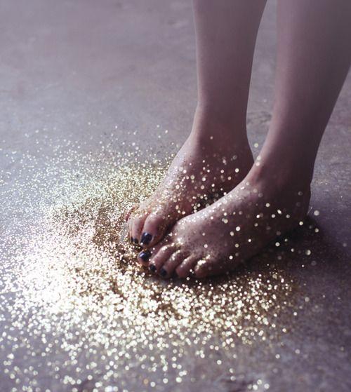 Paillettes dorées / golden glitters