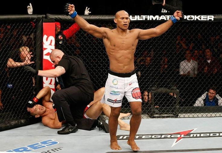 Jacare Souza doesn't seem to be impressed with UFC middleweight champion Michael Bisping vs. Former Welterweight Champion Georges St-Pierre.  He says he wishes that they would suffer a double knockout in their upcoming fight especially since he considers that George st. Pierre should have never got to jump over him when George Saint Pierre has never fought at 185.  Especially when George St-Pierre has always shied away from fighting Anderson Silva Souza said.  http://ift.tt/2h35XMu  #mma…