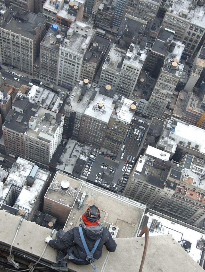 Out-On-the-Edge-Rooftop-Photography-14.jpg (721×956)