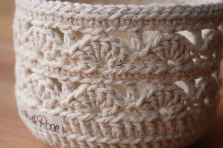Shell pattern crochet basket by LilibethRose