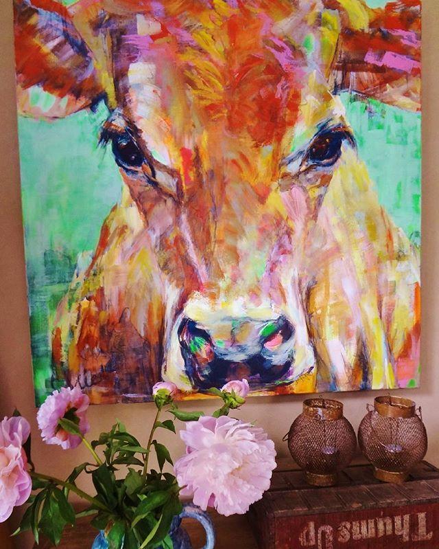 Cow painting, impression in interior @liesbethserlie #cow #cows #painting…