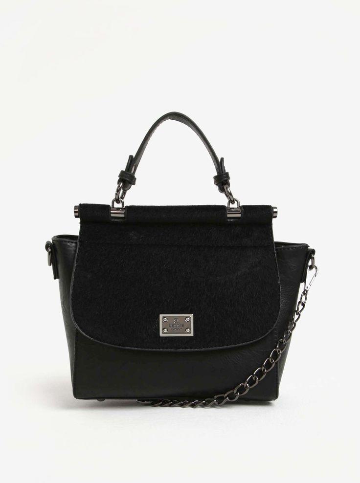 Najlepšou kamarátkou každej ženy je kabelka akéhokoľvek druhu. Je jej nápomocná vždy, keď si spomenie, robí ju elegantnou a zmyselnou a uschováva...