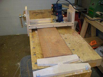 Minimalist S Router Sled For Flattening Rough Cut Lumber