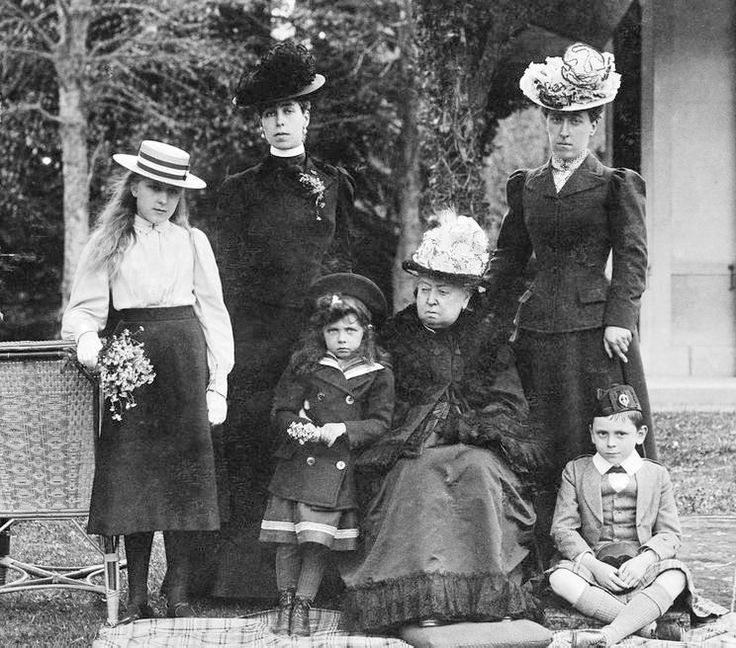 Victoria with grandchildren