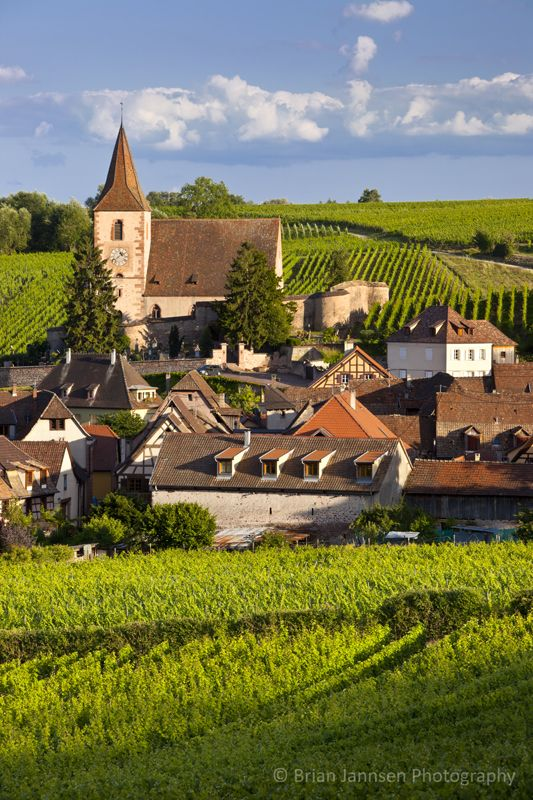 Hunawihr along the wine route, Alsace Haut-Rhin, France. © Brian Jannsen Photography