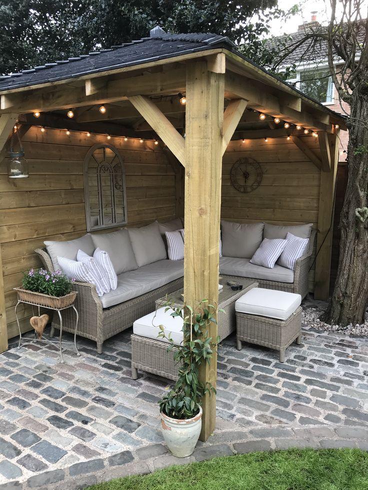 Hausgemachte Holzpavillon Kopfsteinpflaster Gartenlichter Aussensofa Sitzgelegenheiten Im Freien Diy Dekoration Outdoor Patio Ideas Backyards Summer House Garden Backyard Patio
