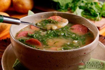 Receita de Caldo verde saboroso em receitas de sopas e caldos, veja essa e outras receitas aqui!