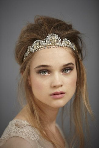 Love the tousled updo. Formal but relaxed, nice.