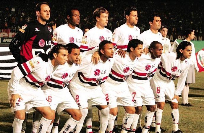 SÃO PAULO Futebol Clube 4 X 0 Clube ATLÉTICO PARANAENSE   CAMPEÃO COPA LIBERTADORES DA AMERICA 2005  SPFC: Rogério Ceni (capitão); Fabão, Diego Lugano e Alex; Cicinho, Mineiro, Josué, Danilo e Junior (Fábio Santos, 40'/2); Amoroso (Diego Tardelli, 33'/2) e Luizão (Souza, 28'/2). Técnico: Paulo Autuori.