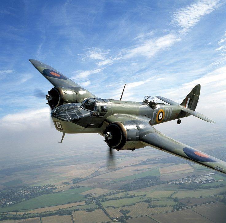 Bristol Blenheim VI. Cumplió los roles de bombardero liviano y caza pesado (este ultimo durante la Batalla de Inglaterra)