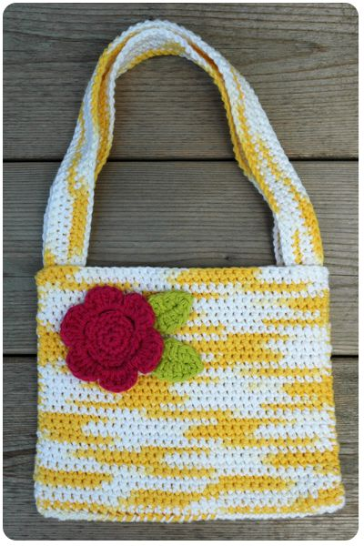 Crafty Cucumber: Crochet Purse & Pattern  ☀CQ #crochet #crafts #how-to #DIY.