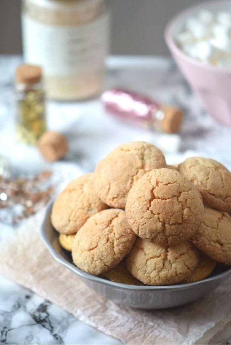 How to make Gingerbread Cookies | This is the best ginger bread cookie recipe EVER!! | carmelapop.com