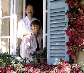La bastide Saint Antoine - Hôtel 5 ***** Relais Châteaux Grand Chef Jacques Chibois featuring Olive Oil cuisine. Located in Grasse, it is surrounded by grounds spanning five hectares with lush Mediterranean vegetation set amidst olive groves. La Bastide commands views of the surrounding plains and the Bay of Cannes and offers a wealth of pleasures for the eye, palate, & spirit. 48 avenue Henri-Dunant - 06130 Grasse  Tel:+33 (0) 4 93 70 94 94