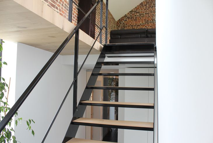 25 beste idee n over metalen trap op pinterest trap ontwerp trappen en trappenhuis ontwerp
